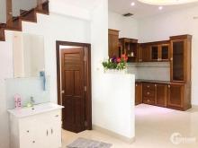 Cho thuê nguyên căn nhà 3 tầng, 4 phòng ngủ mặt tiền đường Đỗ Bá, sát biển