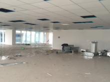 Cần cho thuê gấp toà  văn phòng mặt phố Lê Đức Tho 500m 5 tâng mặt tiền 20m