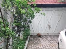 Cho thuê biệt thự sân vườn Xuân Đỉnh, DT 200m2, ô tô 7 chỗ vào nhà, 22tr/tháng
