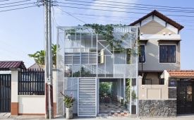 Choáng váng ngôi nhà bằng tôn tiết kiệm chi phí