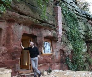 Độc đáo căn nhà hiện đại trong lòng hang sâu