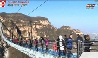 Trung Quốc: Cây cầu đáy kính dài nhất thế giới được đưa vào hoạt động