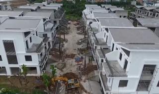 Cận cảnh 26 căn biệt thự xây xong mới xin phép ở Hà Nội