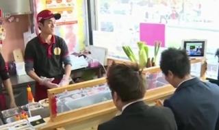 Quán bánh mì của 2 chàng trai Việt gây sốt trên đất Nhật