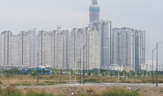 TP Hồ Chí Minh: Ồ ạt làn sóng bán cắt lỗ căn hộ cao cấp