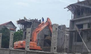 Sập giàn giáo công trình do Công ty TNHH Sông Phan thi công