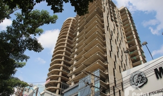 """Sau nhiều năm """"đắp chiếu"""", cao ốc 30 tầng ở vị trí đắc địa Sài Gòn đã về tay chủ mới"""