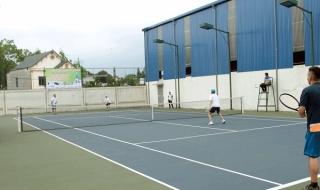 Đường dân sinh nhường chỗ cho… sân chơi tiền tỷ của cán bộ thị xã Phổ Yên