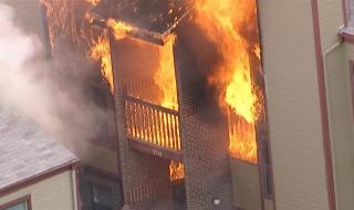 Thoát hiểm như thế nào khi cháy chung cư?