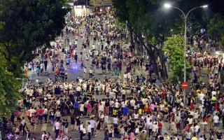 Hà Nội chưa xem xét mở rộng phố đi bộ