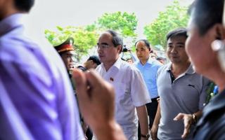 Dân Thủ Thiêm vỡ òa trong cuộc gặp Bí thư Nguyễn Thiện Nhân