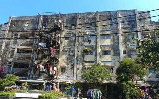 Bất động sản 24h: Người dân sợ hãi sống trong chung cư sắp sập