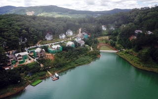 """Phó Thủ tướng yêu cầu làm rõ việc """"băm nát"""" Khu Du lịch quốc gia hồ Tuyền Lâm"""