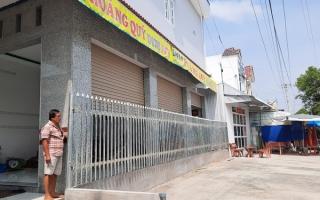Cà Mau: Sợ lấn đất công, xã cho xây hàng rào bịt vách nhà dân