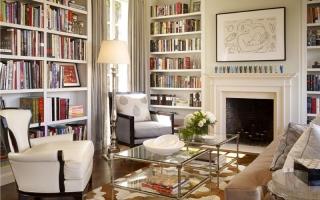 Nhà đẹp với giá sách gọn gàng, bắt mắt