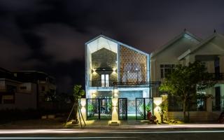 Ngôi nhà hướng Tây hút hồn tại Quảng Bình