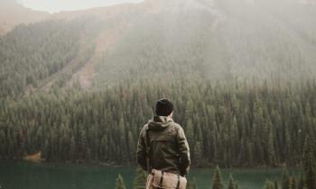 Khám phá 10 thói quen khiến người hướng nội thành công