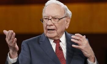 Tỷ phú Warren Buffett bật mí cách đơn giản giúp tăng gấp đôi tiền lương
