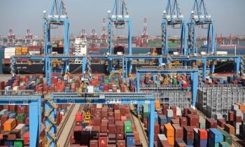 Mỹ lùi thời hạn đánh thuế với 200 tỷ USD hàng Trung Quốc