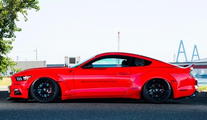 Ford Mustang ấn tượng hơn khi qua tay Liberty Walk