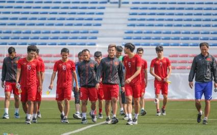 Đức Chinh, Tiến Linh và các cầu thủ U22 Việt Nam đi giày hãng nào?