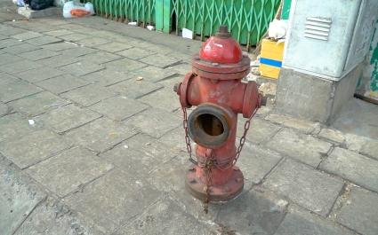 Tiềm ẩn rủi ro khi TP.HCM thiếu hơn 10.000 trụ bơm nước cứu hỏa