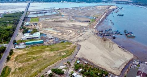 Marine City vẫn ngổn ngang sau 3 năm mở bán