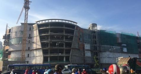 Tạm đình chỉ dự án Giga Mall sau vụ 3 công nhân rơi xuống đất