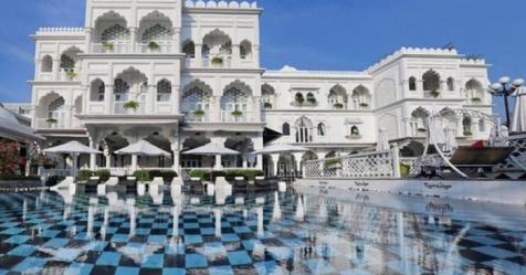 Lâu đài trắng 15 triệu USD của Khai Silk về tay chủ mới