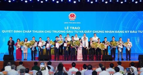 Bình Định: Trao giấy chứng nhận đầu tư cho 15 dự án