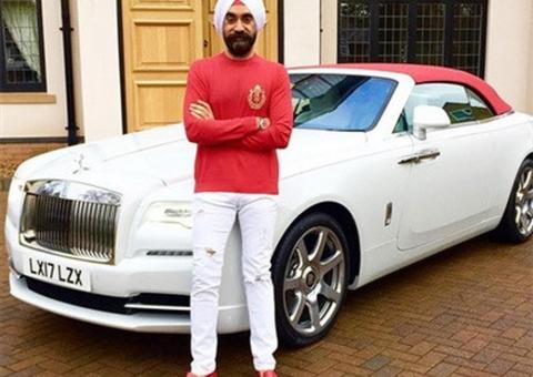Tỷ phú Ấn Độ tậu 7 chiếc Rolls-Royce đi làm mỗi ngày
