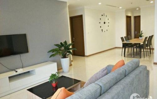 Chuyển công tác ra HN cần cho thuê gấp căn hộ Vinhomes 4PN cao cấp