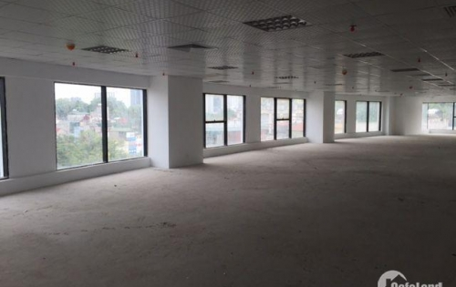 Cho thuê mặt bằng 320 m2 tầng 1 thông sàn tại Hoàng Quốc Việt giá chỉ 230 nghìn/m2