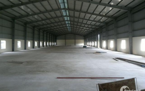 Cho thuê gấp kho, xưởng 303m2 ngay đầu cầu Thanh Trì, gần cầu Vĩnh Tuy. LH: 01656439933