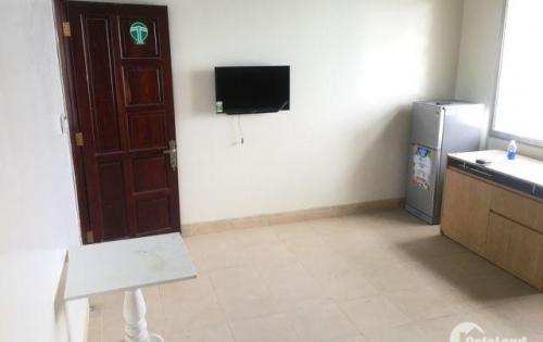 Mình cho thuê phòng Q8 cực rộng 45m2, giá 5.5tr, ban công, full nội thất, ưu tiên người lịch sự.