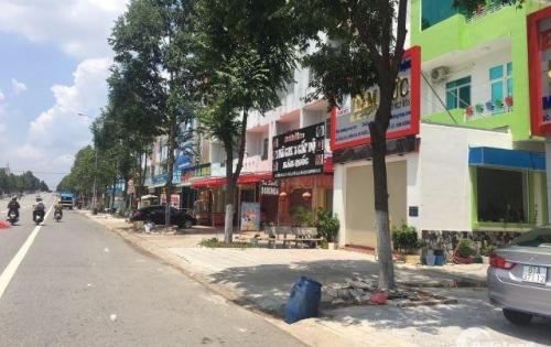 kẹt tiền bán gấp lô đất 600m2 (20m x 30m) đất thổ cư, khu chợ, gần trường học, sát bên KCN Nhật – Hàn – Đài Loan, dân cư đông đúc. >> Liên hệ: 093.795.3366