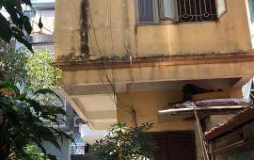 Bán nhà số 70 Phan Đình Phùng, Ba Đình, diện tích 40m2, sổ đỏ chính chủ