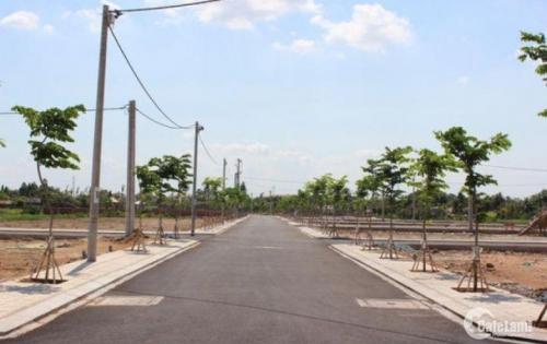 Cần tiền bán gấp lô đất đã có sổ hồng gần chợ Bình Chánh, giá 800tr/nền