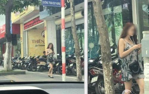 Bán khách sạn nguy nga 9T gần 100m2 doanh thu gần 500tr/th  mặt phố Trần Duy Hưng, Cầu Giấy