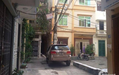 Bán nhà ô tô đỗ cửa phố Đặng Tiến Đông 50m x3 tầng giá 4,8 tỷ