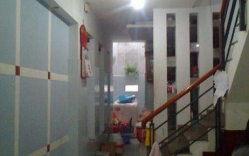 Bán nhà gần ngã tư Phố Huế Bạch Mai, 27m2x4 tầng 500m ra Vincom Bà Triệu