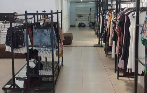 Nhượng cửa hàng thời trang mặt phố Bà Triệu, quận Hai Bà Trưng, Hà Nội