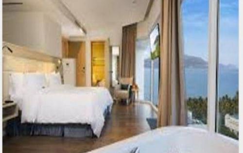 Cần bán khách sạn 4 sao trên đường Phạm Văn Đồng, Nha Trang. DT hơn 500m2 giá 410 tỷ.