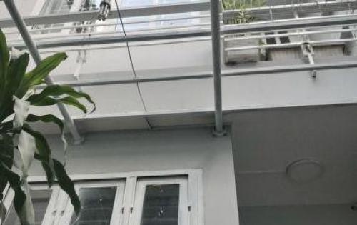 Bán nhà đường Nguyễn Văn Linh Phường Tân Thuận Tây Quận 7.( hẻm xe hơi 198 )