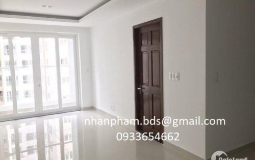 Bán căn hộ Sky Center view đẹp nhận nhà ở ngay, gần SB Tân Sơn Nhất, giá 1.5tỷ. LH: 0933654662 Nhàn