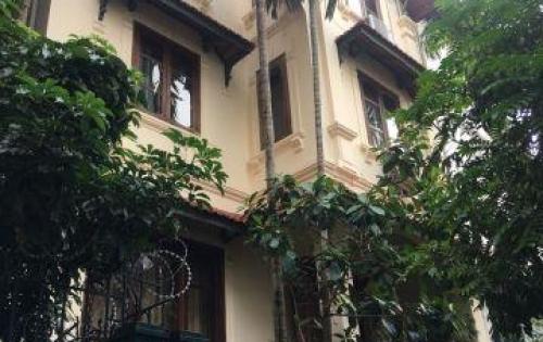 Bán biệt thự Quảng An, Tây Hồ, DT120m2x5tầng, tiện cho Tây thuê giá 19.9tỷ.