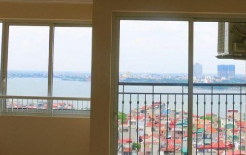 Bán căn hộ 2PN 91,3m2 ở luôn ngay gần hồ Tây, đầy đủ nội thất, tặng thêm 3 năm phí dịch vụ