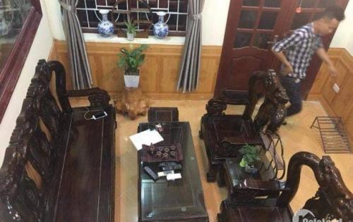 Nhà Kim Giang nhỏ tiền, nhà đẹp cách ô tô 10m, tặng toàn bộ nội thất