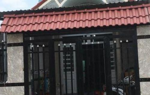 Cần tiền bán gấp căn nhà 900tr 1trệt 1 lửng gần khu du lịch Hồ nam
