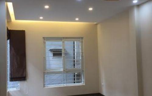 Cho thuê nhà mặt phố Giảng Võ dt 80m2, 7 tầng thông sàn , có thang máy giá 89 tr/ lh 0984250719